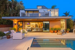 Plant Prefab Home In Santa Monica