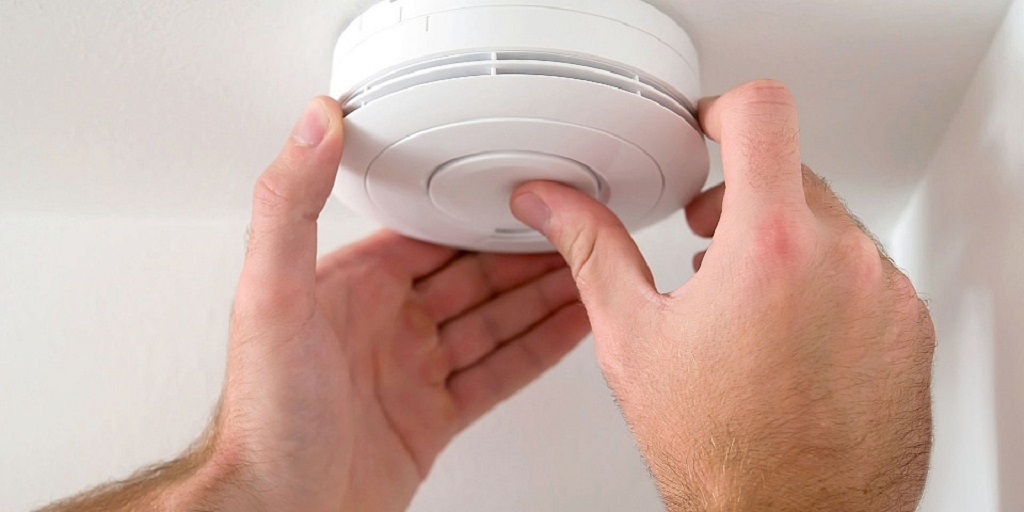 Fitting A Smoke Alarm
